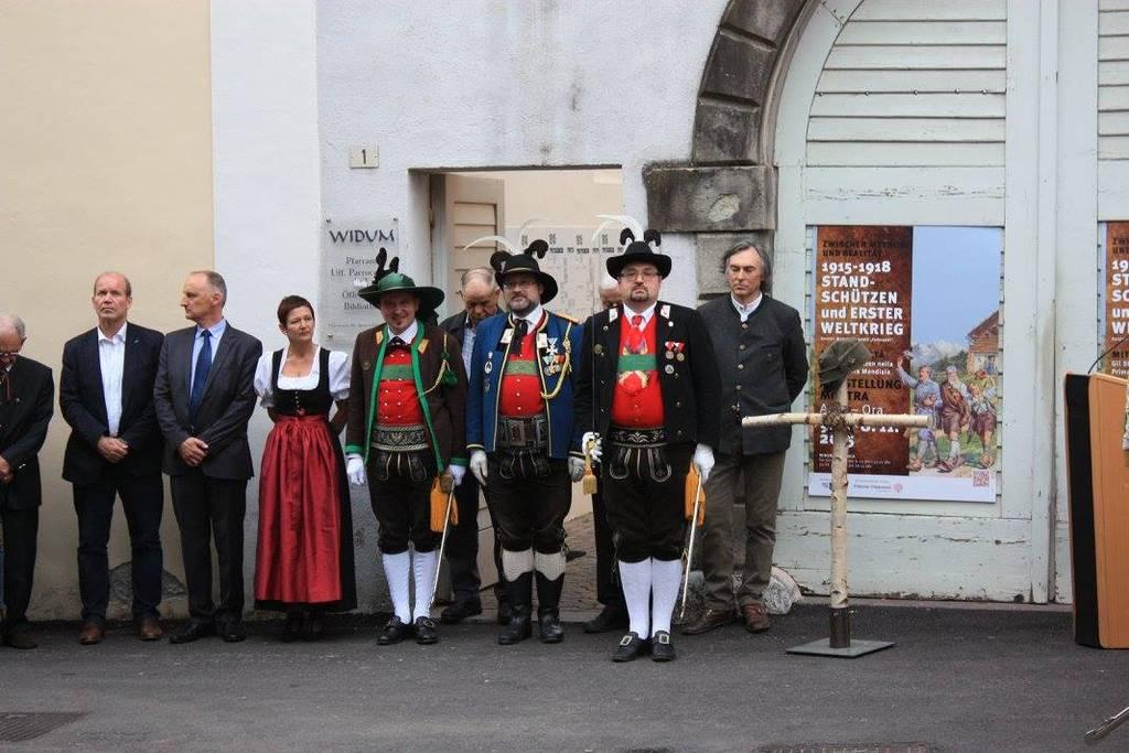 Ausstellung zum Ersten Weltkrieg in Auer feierlich eröffnet