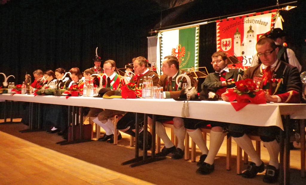 Bezirkstag Brixen in Latzfons