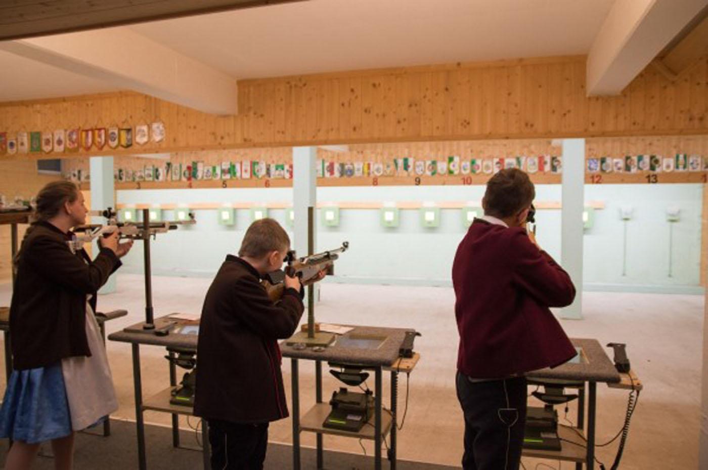 Tradition und Schießsport beim Jungschützenschießen