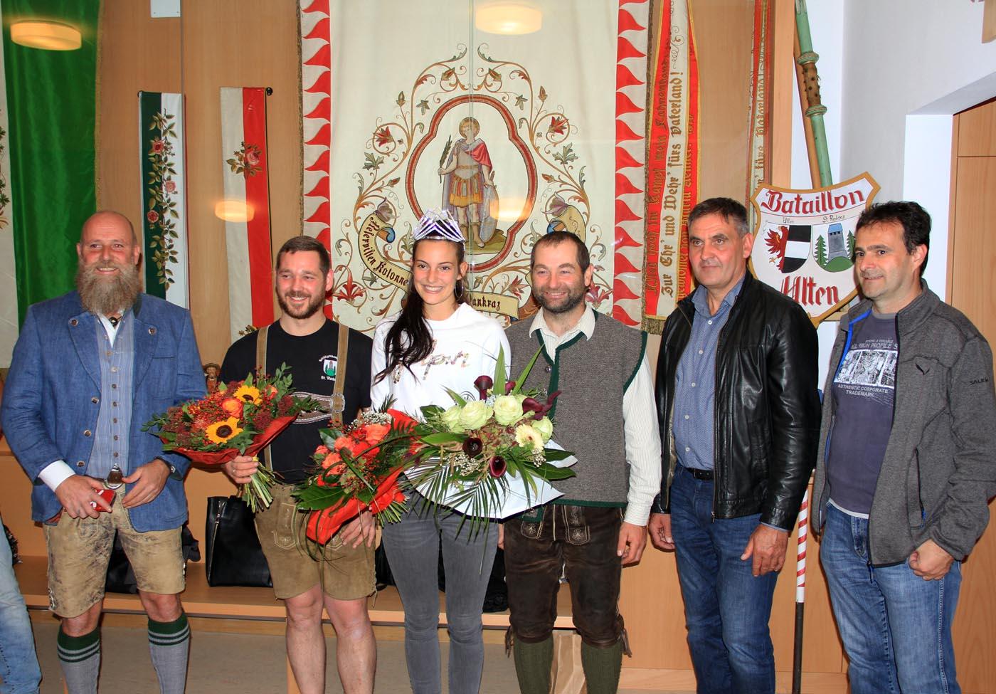 Schützen gratulieren neuer Miss Südtirol Felicia Gamper