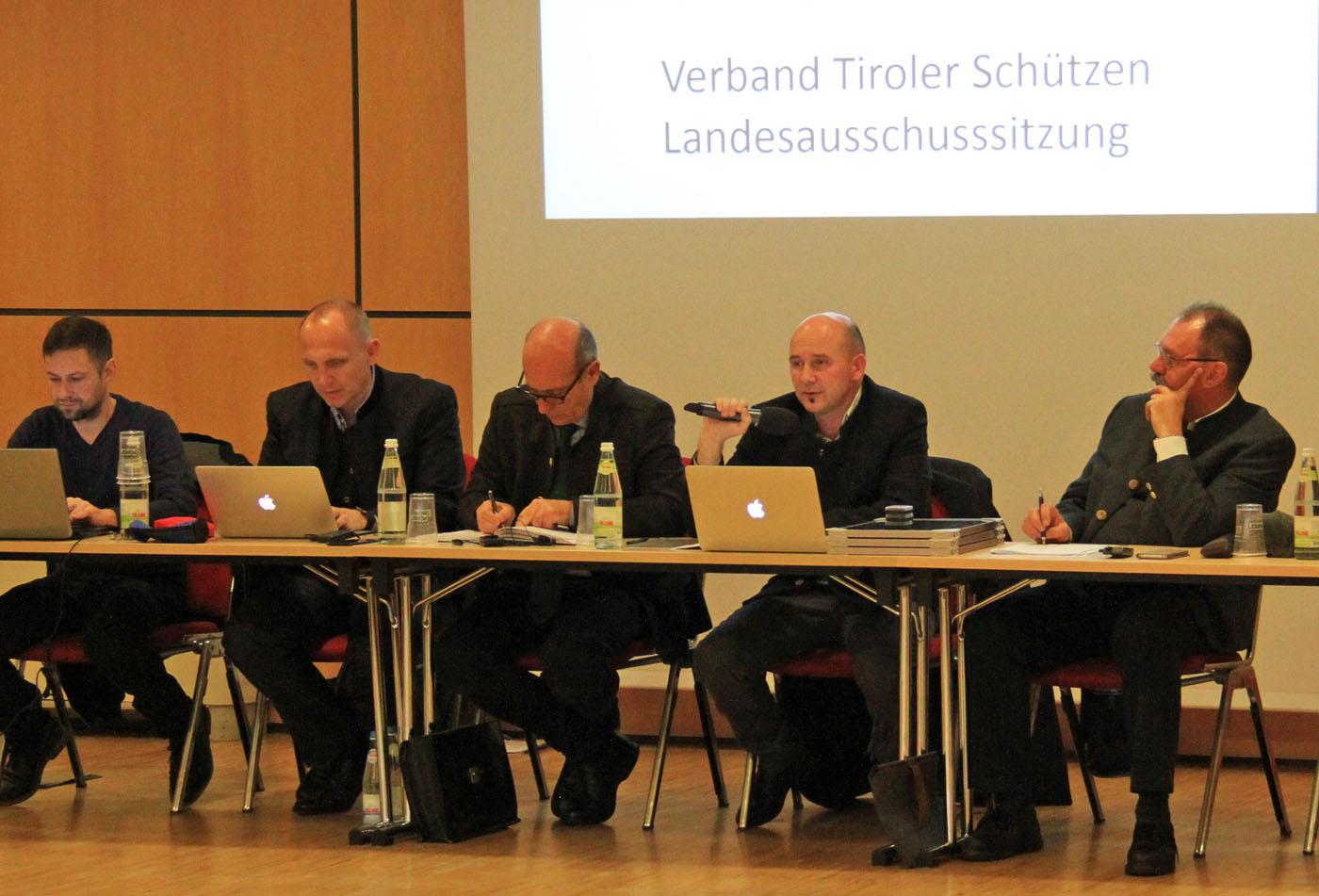 Tiroler Schützen gemeinsam für Tirol